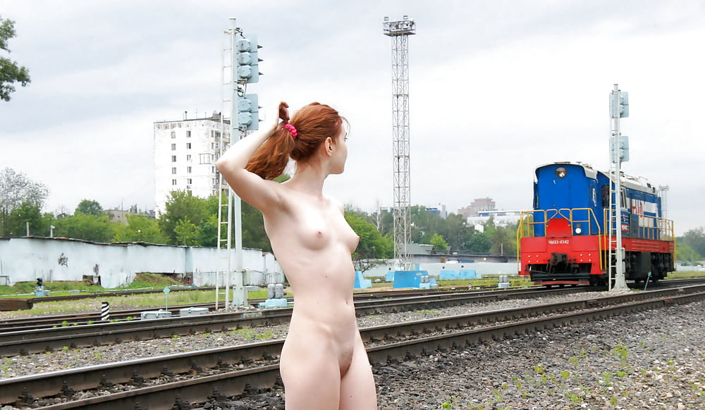 Nude Girl Pic In Train