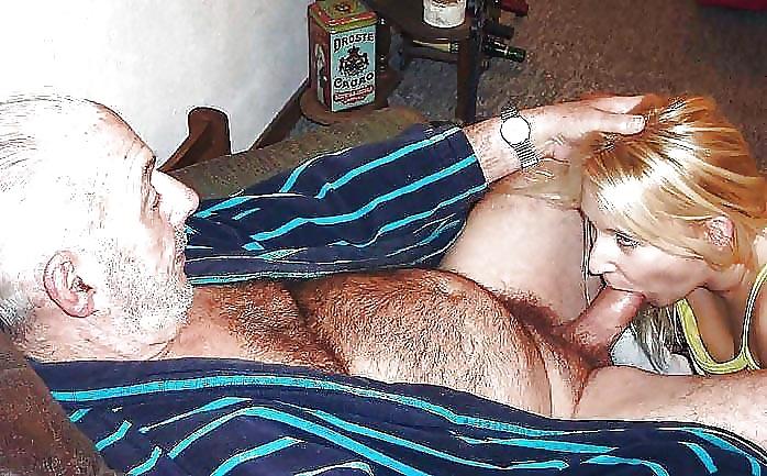 Порно фото большие сиськи сосет у старика #3