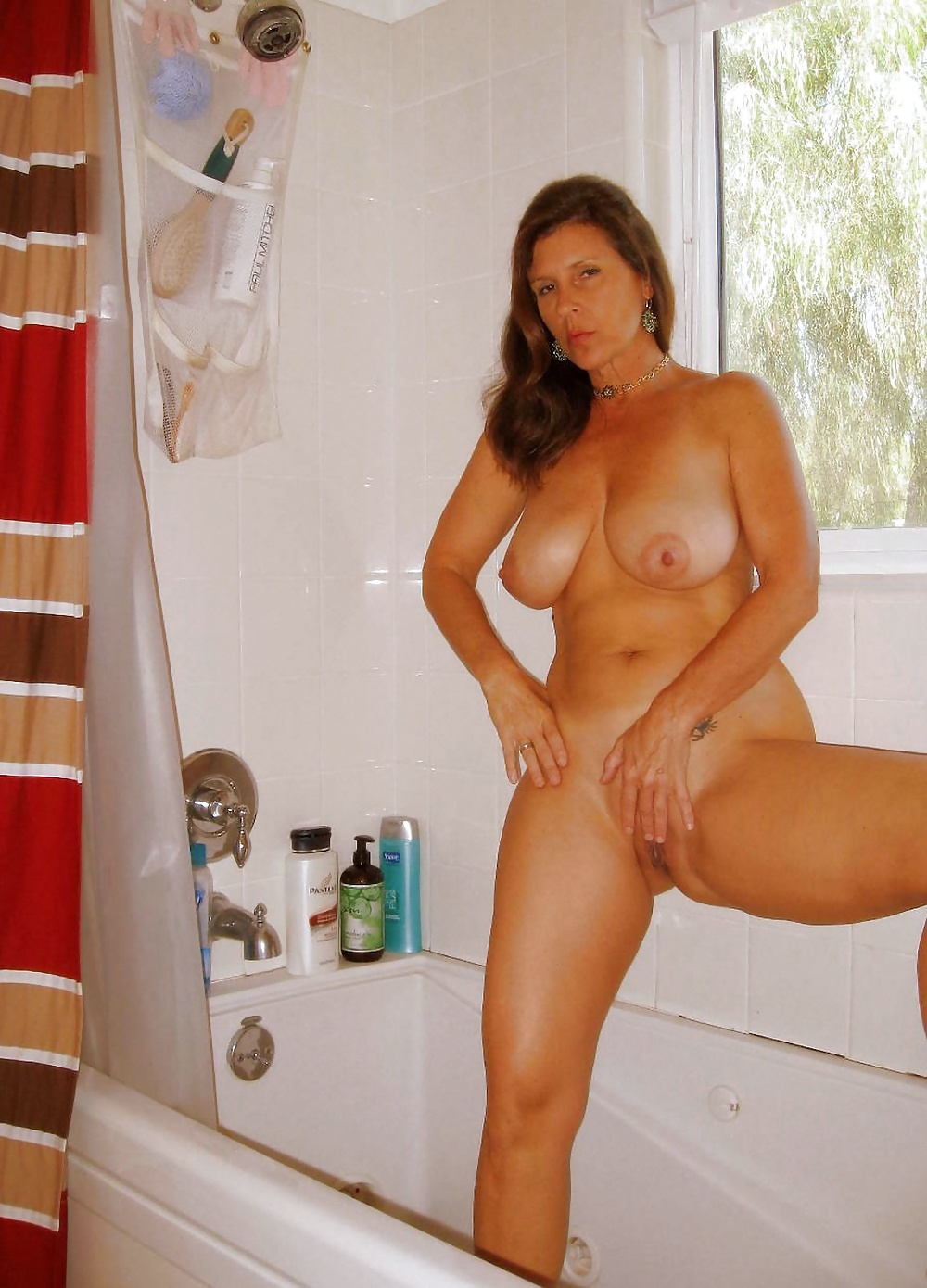 hot-loreena-ponce-nude-libia-in-vulva