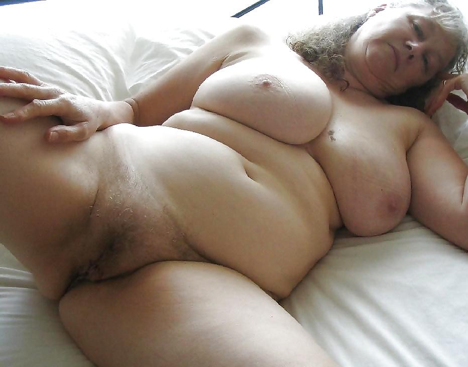 Nude women spread wide pics