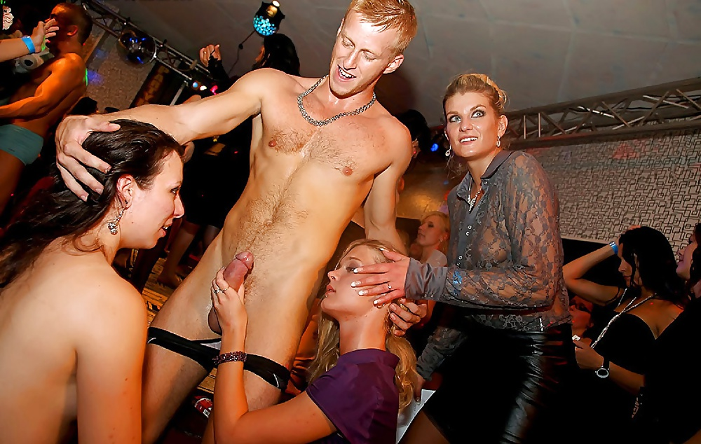 Sexy Blonde Vera Picks Up Couple Of Guys In The Club For Sex Private 1