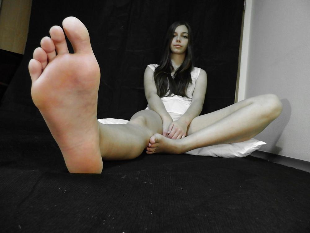barefoot-fetish-gallery-korean-naked-girlporn