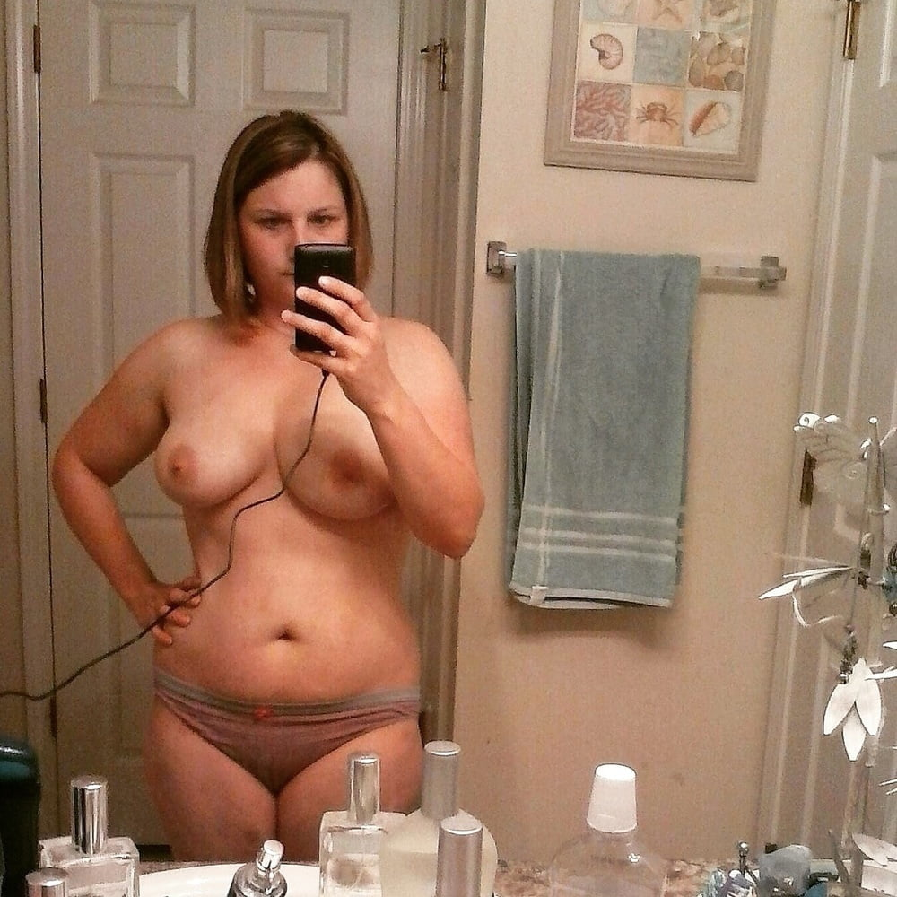 mompov thick amateur milf loves anal