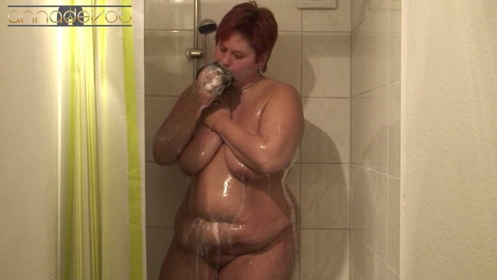 Shower - Dildo - 15 Pics