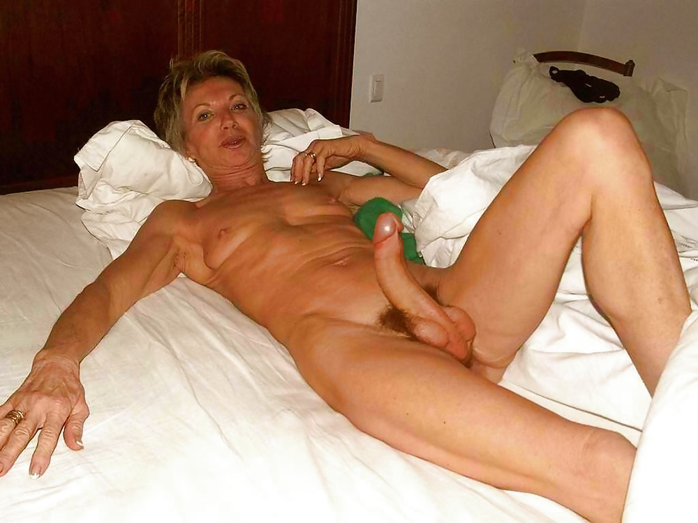 Nude mature lady bush