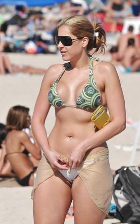 Cameltoe Bikini