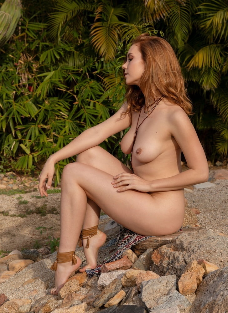 Atk hairy hot babe kitten coyote fingering her beautiful wet hairy pussy in solo