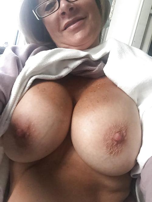 Selfie Big Tits Mature