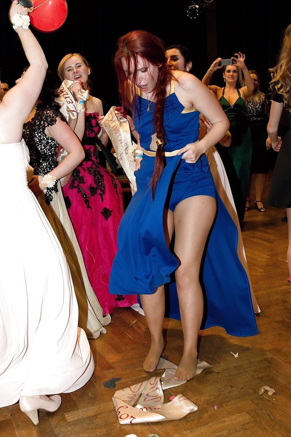 in pantyhose girls Prom