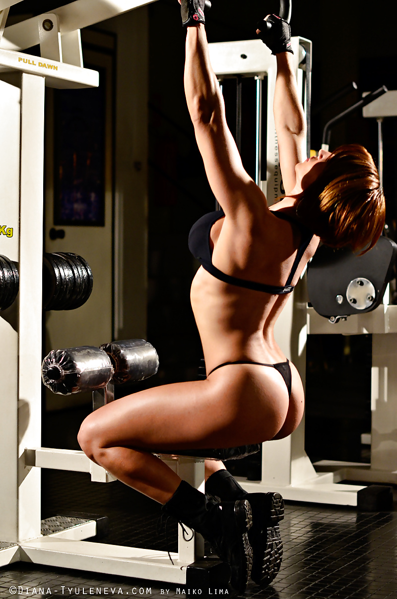 hot-girl-workout-nude