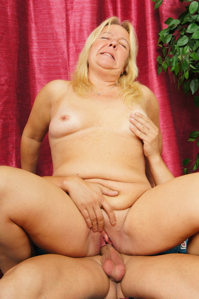 Fat Cock Step Son catch Mature Mom and Seduce to Rough Sex - 28 Pics