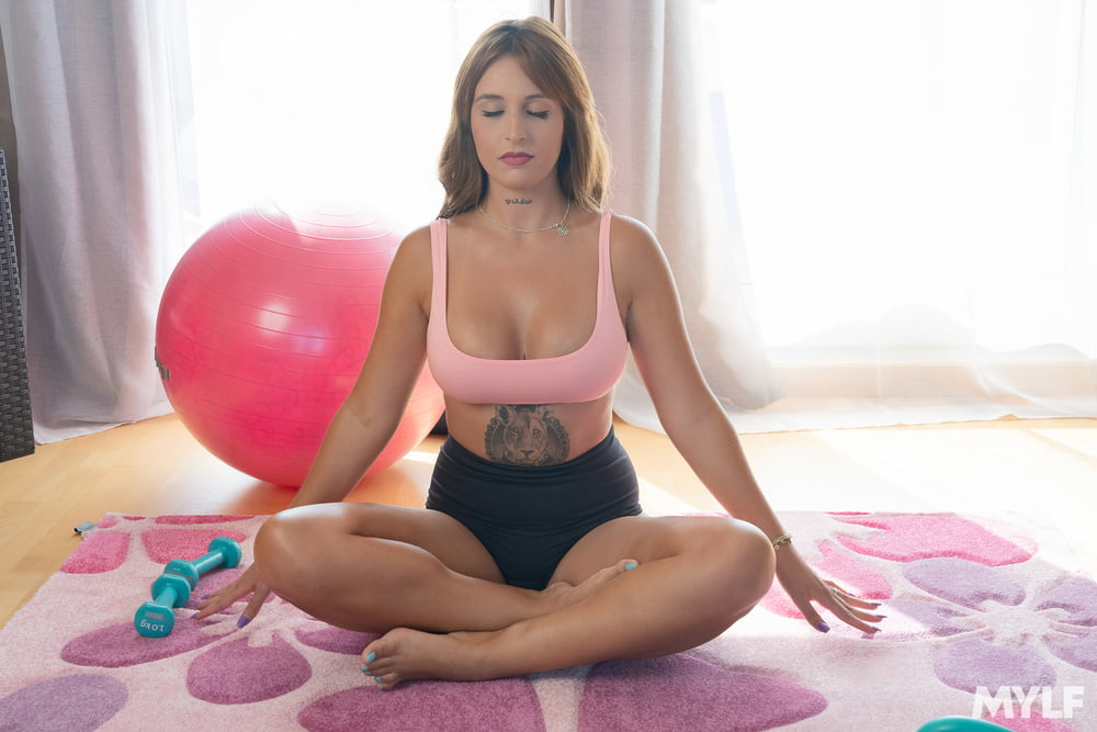 Myss Alessandra - Way More Than Yoga - 137 Pics