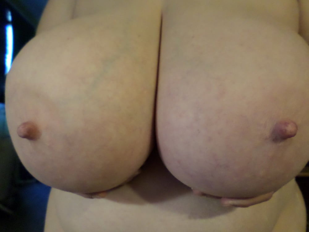 Natural boobs threesome-7348