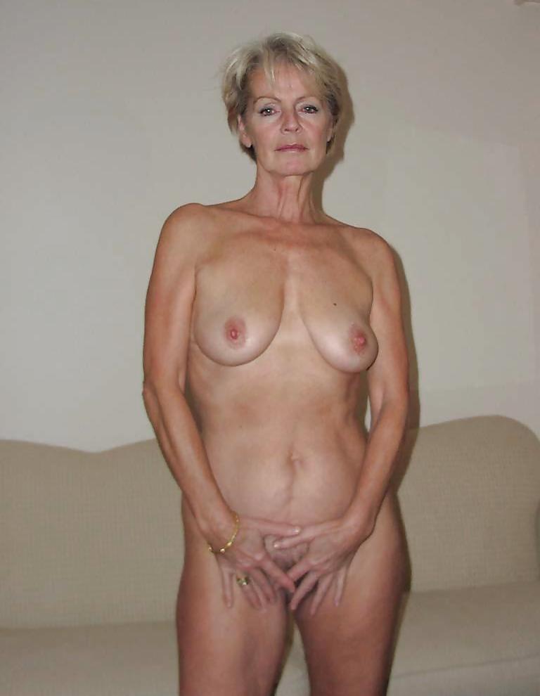 Mature Lady Justine 4 - 32 Pics  Xhamster-6437