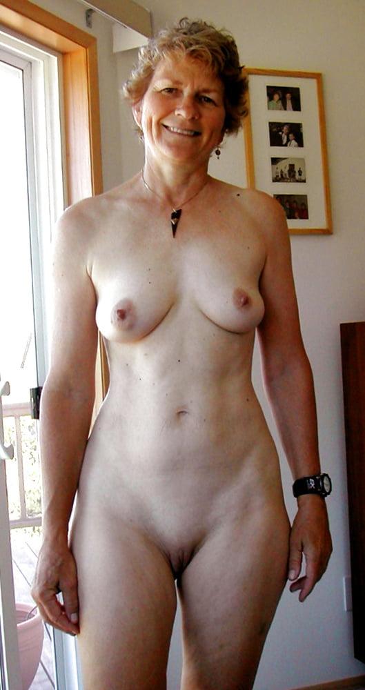 Boobs Beautiful Nude Mature Women Pics Scenes
