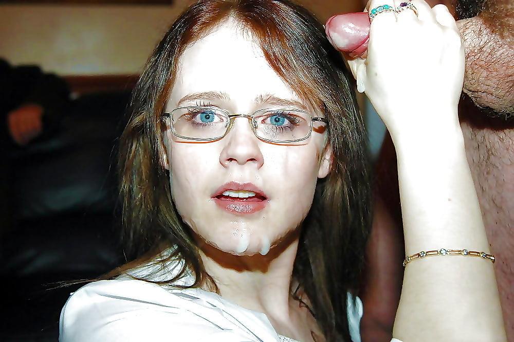 Sexy nackte mädchen mit gläsern
