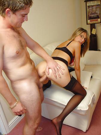 Sexy amateur Freundin Nika in schönen Dessous