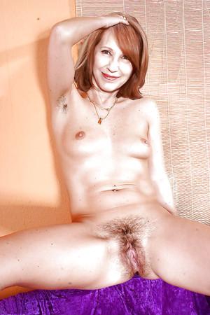 nackt Baye Nathalie Nudity in