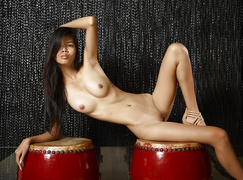 Asian girls shaved pussy