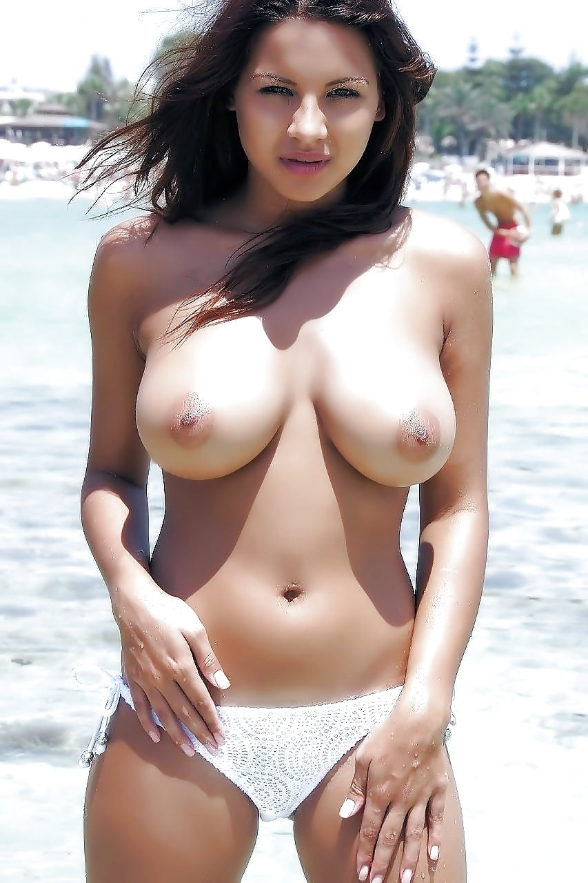 hot-indian-babes-in-nude-beach