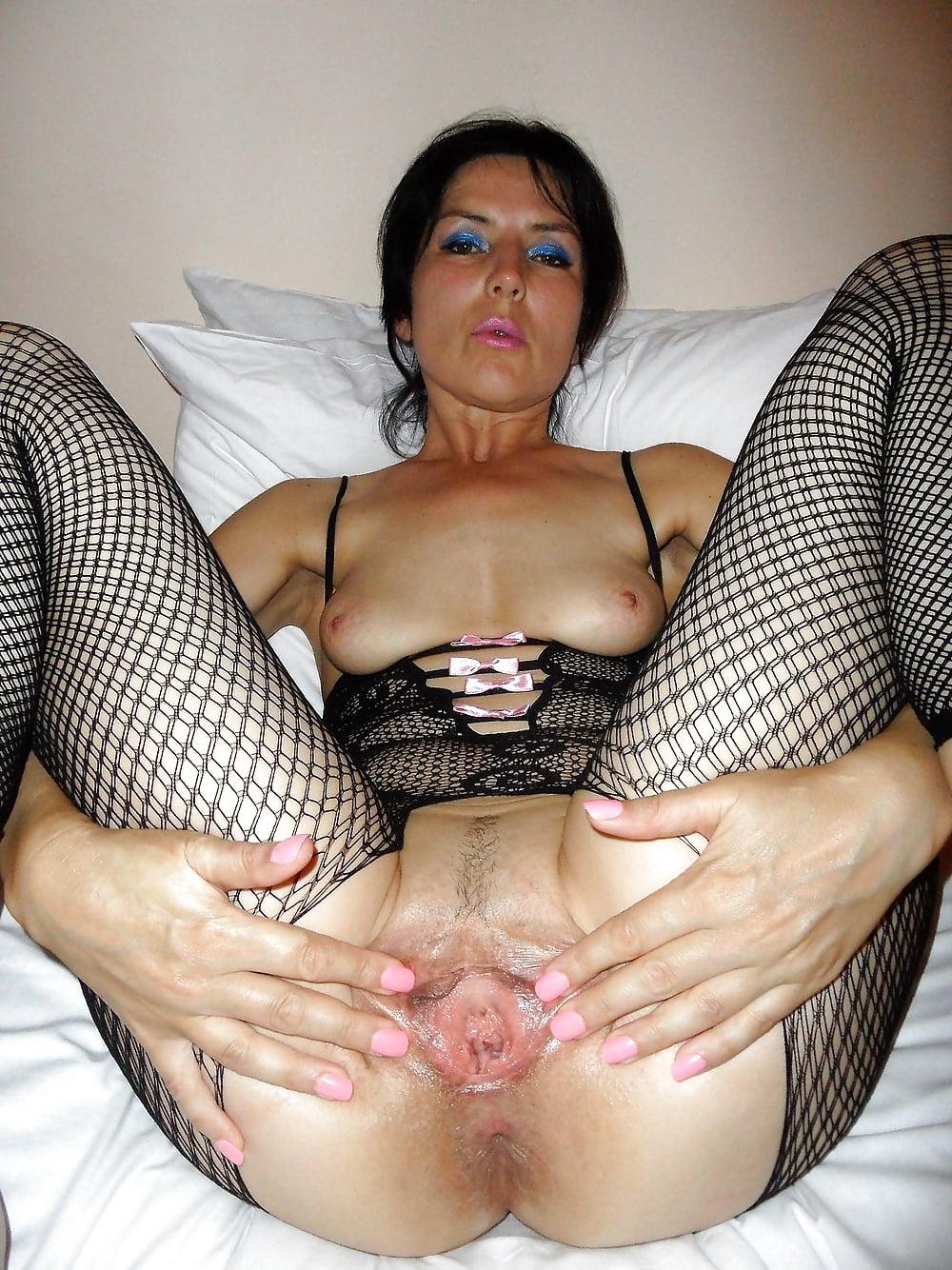 Фото порно развратных тетенек, проснулась и занялась сексом