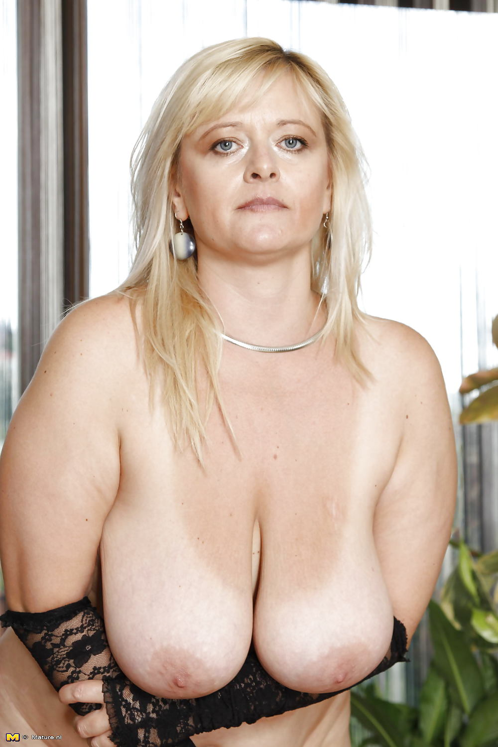Huge Tits Mature Galleries With Naked Big Boobs