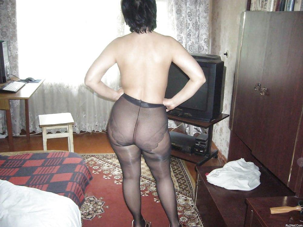 grudi-ochen-chastnoe-foto-zrelih-srak-v-kolgotkah-porno-video-domashnee