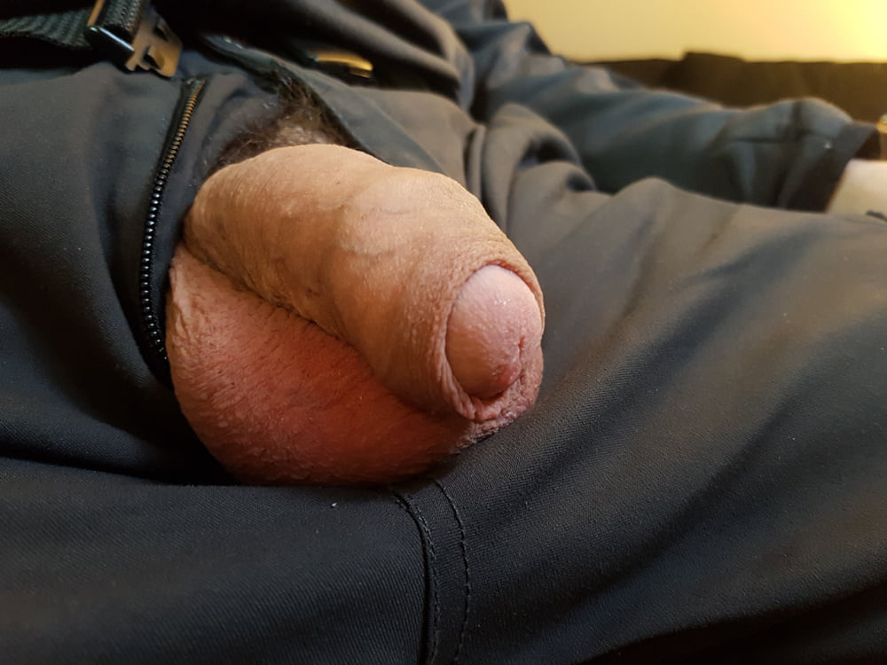 Nude Boys Sending Self Pictures While Their Uncut Cocks Is Soft