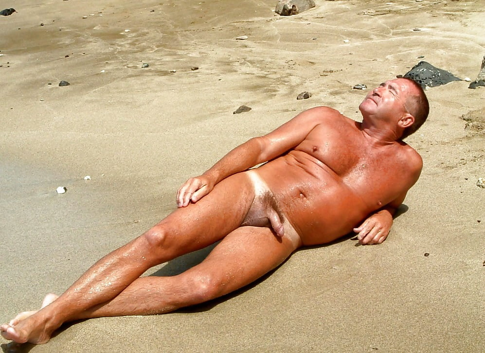 male-nude-sunbath