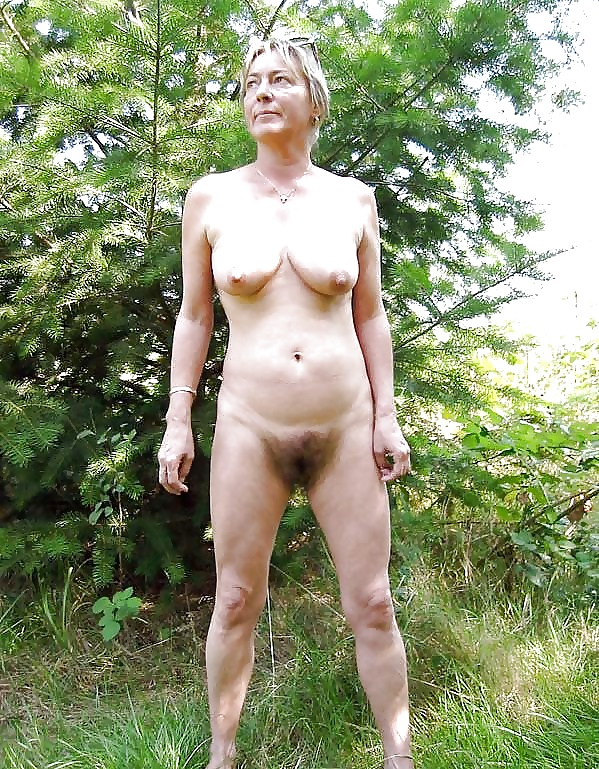 Women with big bushes nude, lady fucked by pitbull