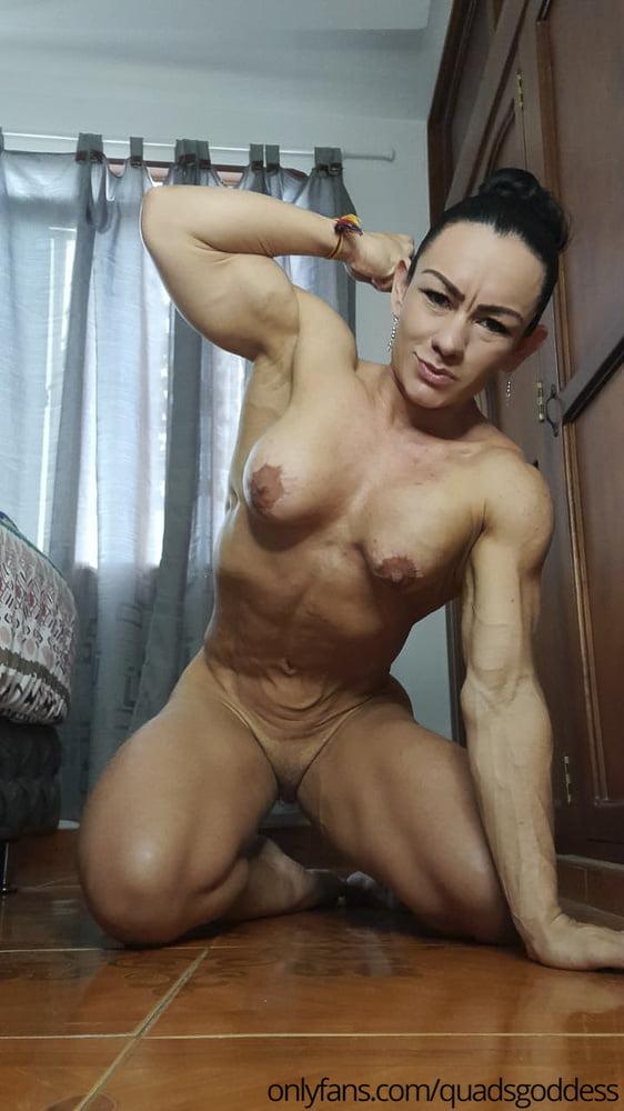 ProfessionalFemale Bodybuilder & MILF (nude private pics) - 12 Pics