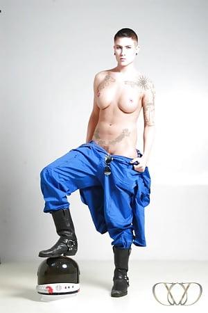 Nude Porn Pics Girls dominating boy