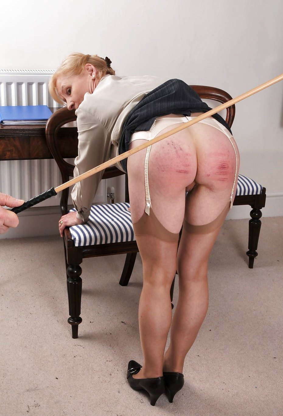 light-spanking-on-the-pussy