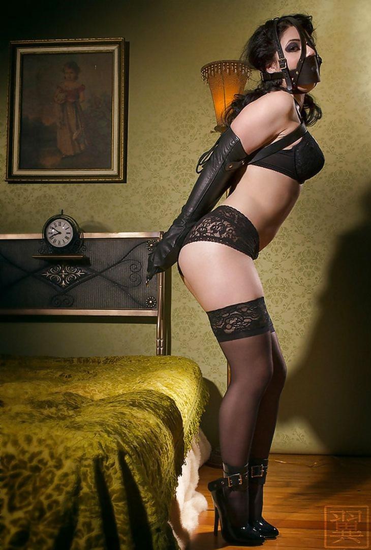 house-erotic-bondage-stockings-naked-polynesian-females