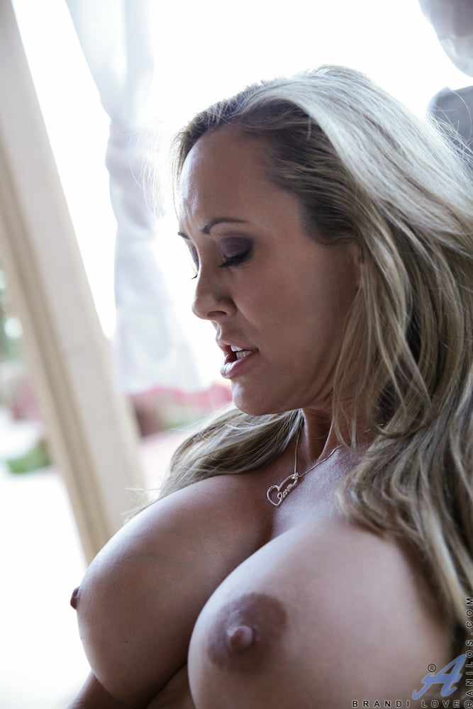 Brandi love boobs
