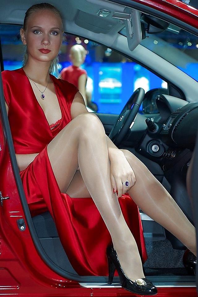 Milf Stripping In Car