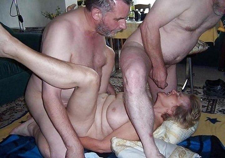 mature-old-swinging-woman-nude-in-toronto