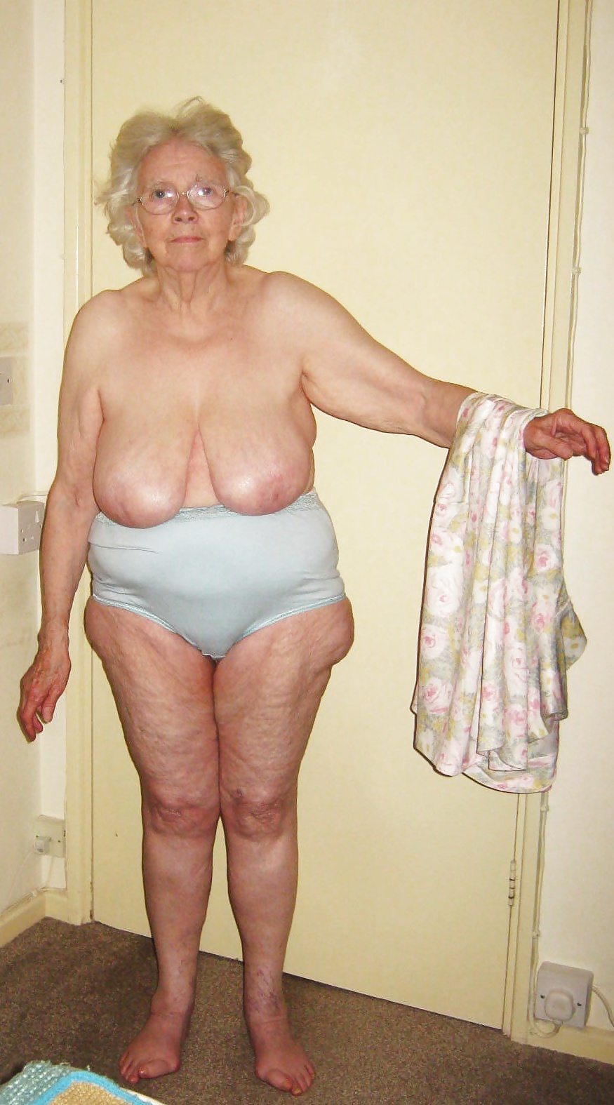 Sheila 80 Year Old Granny From Uk - 19 Pics  Xhamster-9080