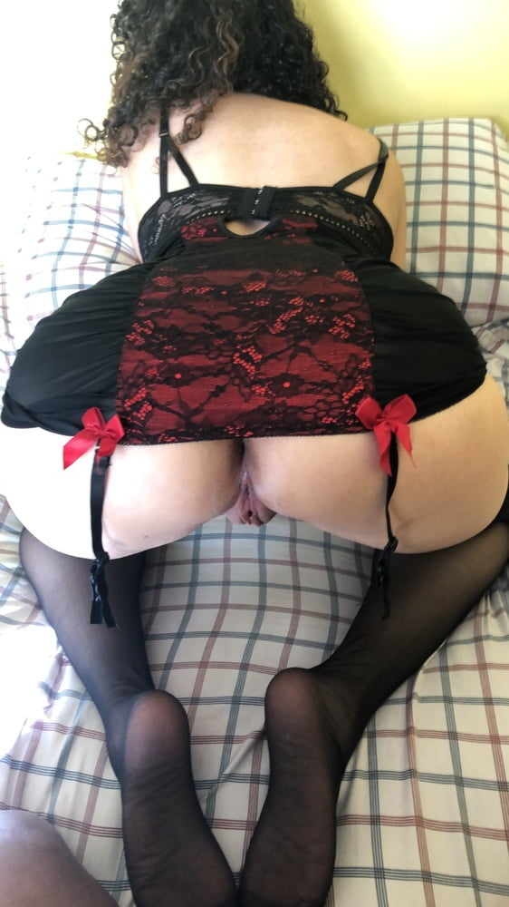 Pussys and ladies that Love my Creampie- 5 Pics