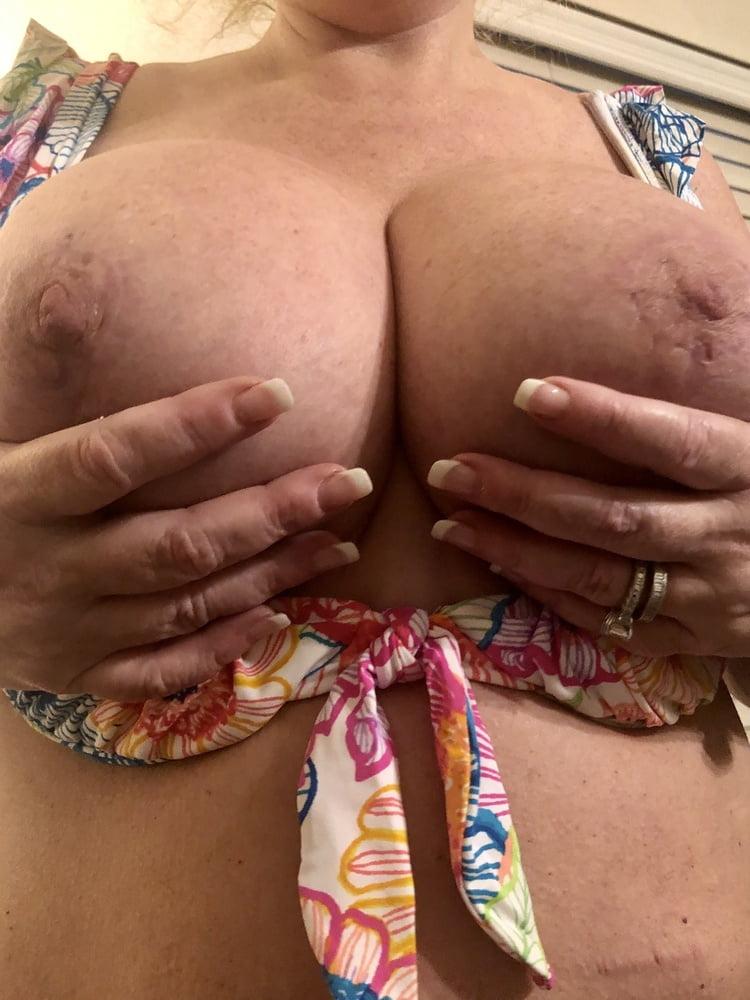 Super Busty MILF in Bikini Shows Off Big Boobs (3) - 33 Pics