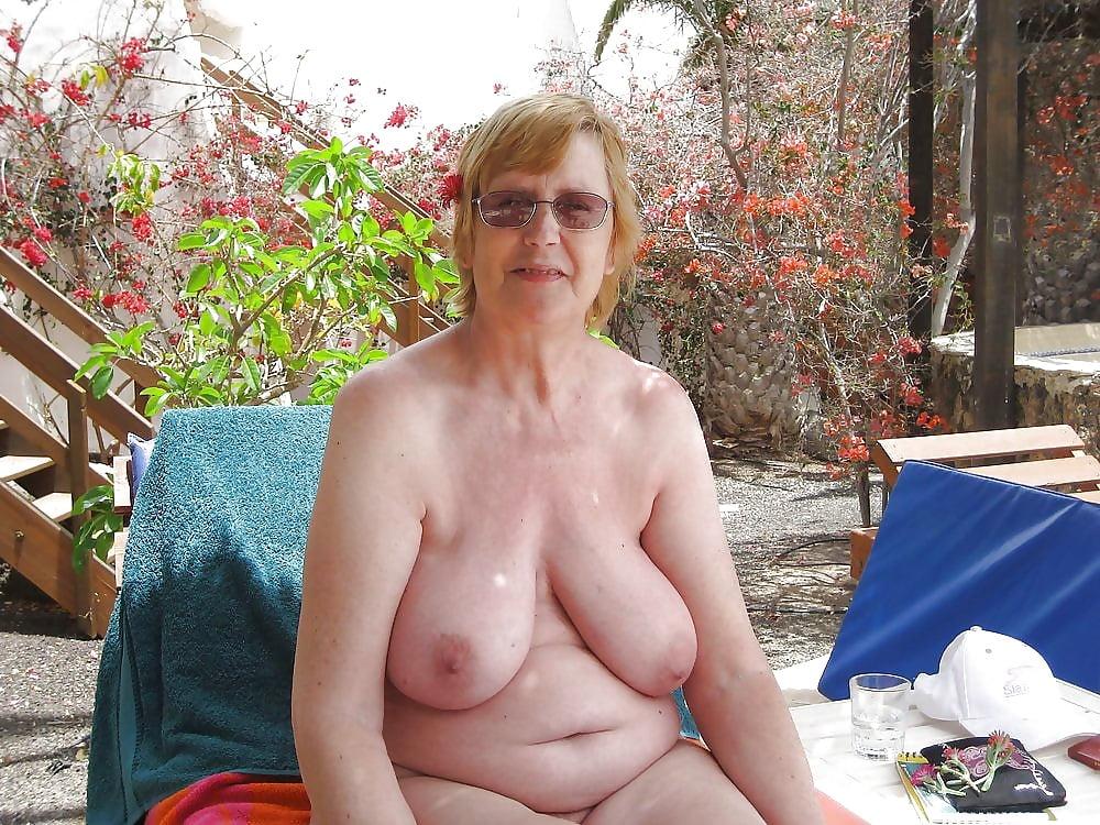 grandmother-big-tits-nude