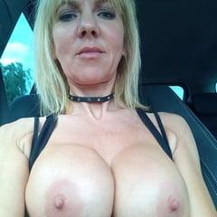 Selfie titten 80s Hot