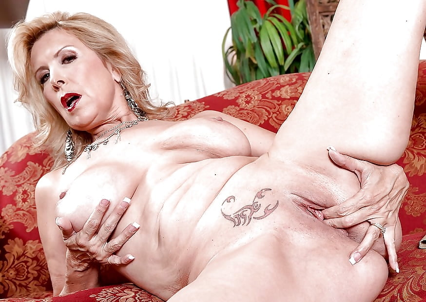 Sexy mature sexy mature something — photo 13