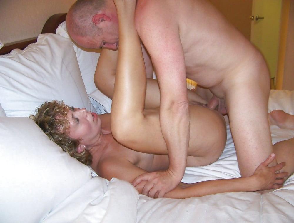 Beautyfull girl hard fucking in the bed