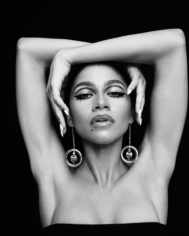 Zendaya armpits - 32 Pics