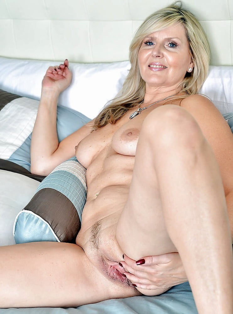 Farting during blonde gilf nude pussy back