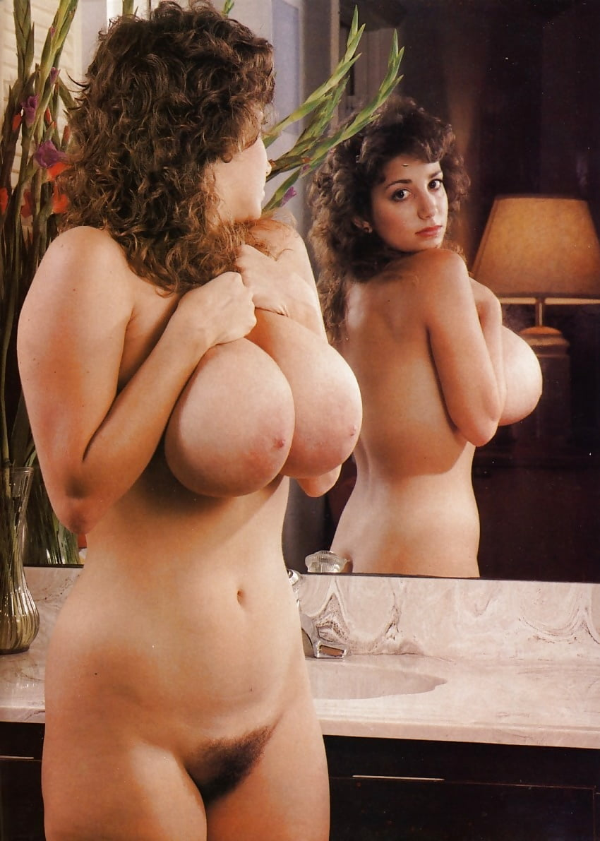 Classic busty nudes — pic 4