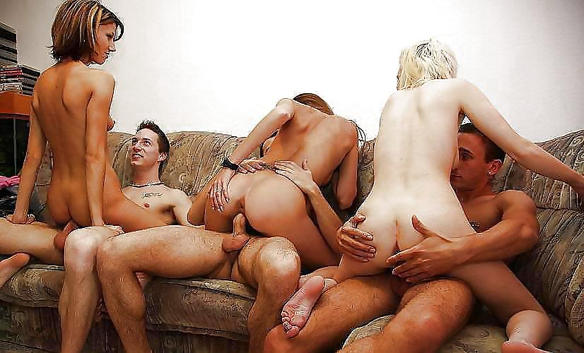 Секс в деревне реальные съемки характеризуется