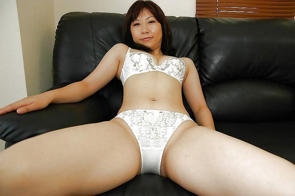 Азиатки зрелые возбужденные