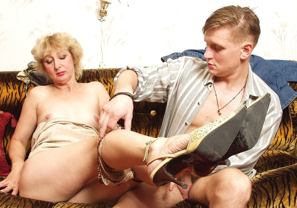 Russian mommies prefer young stallions - 267 Pics
